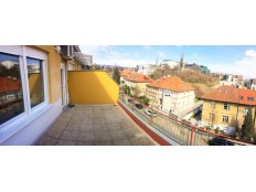 Srebrnjak, prekrasan 2soban stan s terasom i balkonom