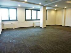 Heinzelova,poslovni prostor s 8 ureda,1.kat,odlična lokacija