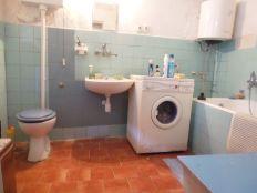 Voltino, Biokovska, 3sobna kuća 50 m2 i okućnica 180 m2